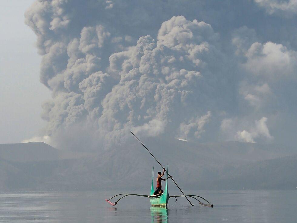 13. Jänner 2020: Der Vulkan Taal im Süden der philippinischen Hauptstadt Manilas spuckt seit Tagen Asche. Tausende Menschen fliehen.