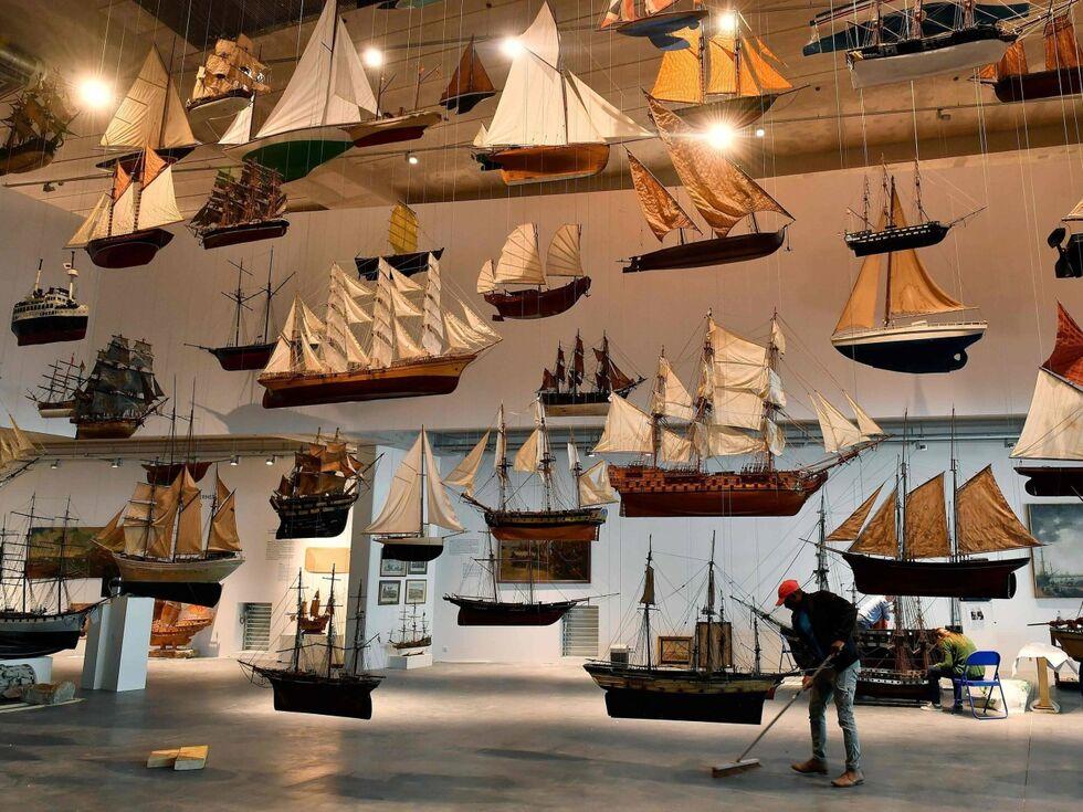 20. Juni 2019 РEin Meer aus Schiffen. Einen Tag vor der Er̦ffnung des Marine Museums (Mus̩e Mer Marine РMMM) in Bordeaux laufen die letzten Vorbereitungen auf Hochtouren.