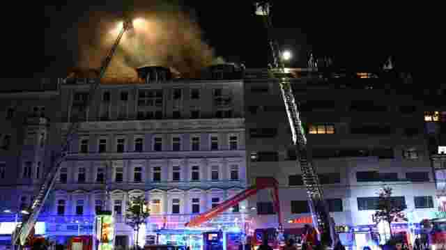 Alarmstufe 2 bei Dachbrand in Wien-Favoriten