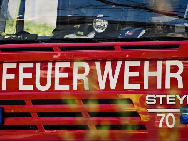 Alkolenker Kollidierte Mit Feuerwehreinsatzfahrzeug In Salzburg Sn At