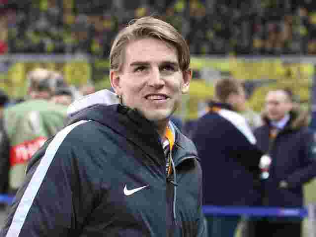 Salzburgs Sportdirektor Christoph Freund freut sich über die Anerkennung der Fans
