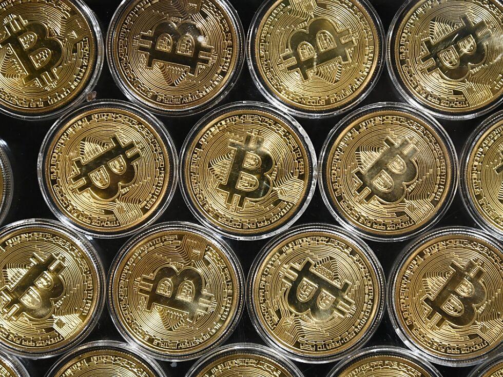 Bitcoin steigt auf mehr als 14.000 US-Dollar