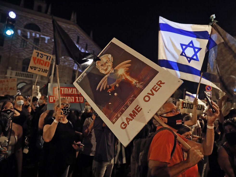 Demonstration in Israel gegen Netanyahus Corona-Politik