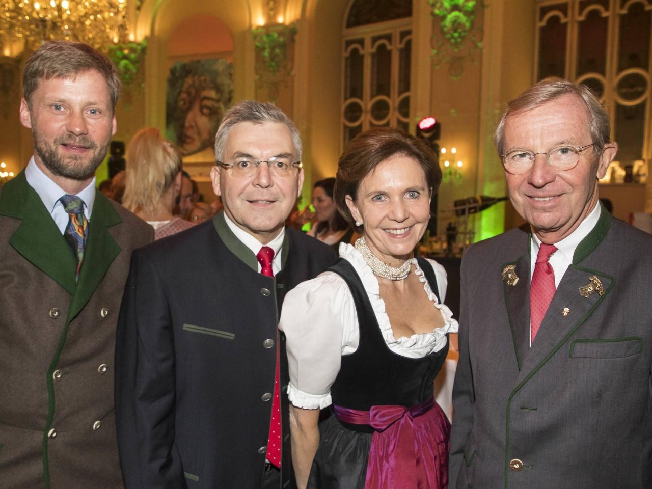 Die Salzburger Prominenz genoss die Ballnacht