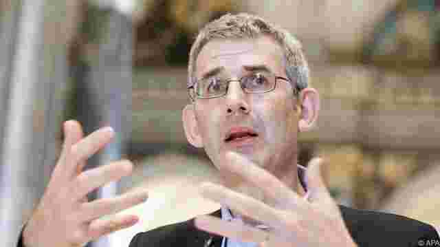 "Edmund de Waal zeigt ""During the Night"" im KHM"