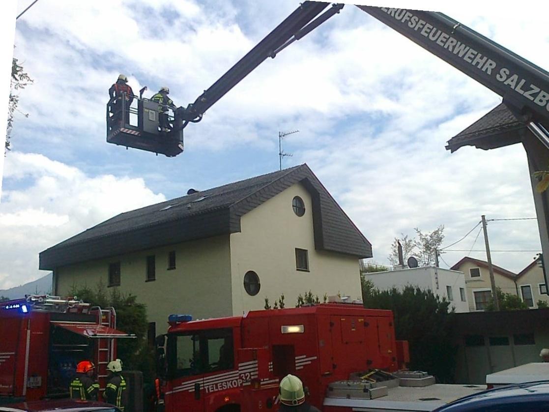 Eine Person bei Küchenbrand in der Stadt Salzburg verletzt