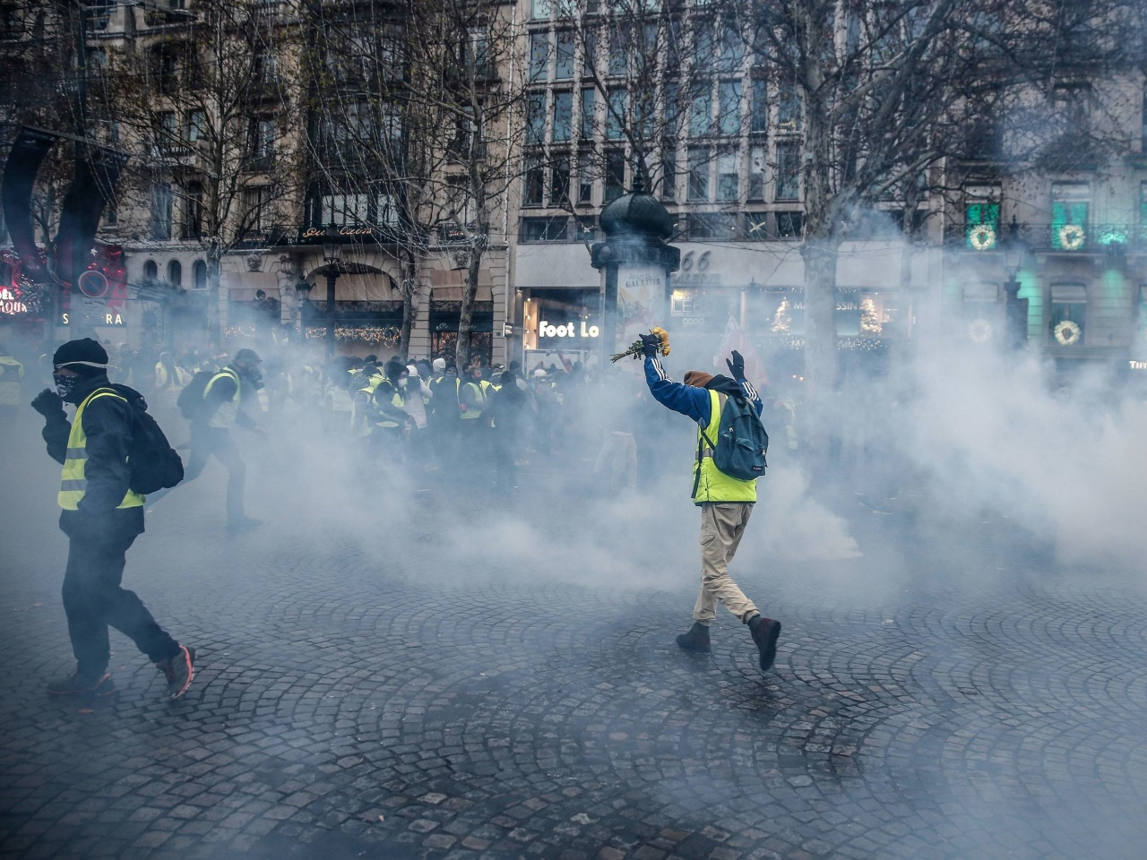 Gelbwesten-Proteste in Frankreich flauen merklich ab