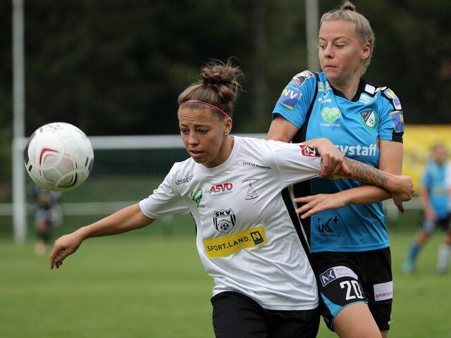 Junge Fussballerinnen Vor Kniffliger Em Aufgabe Sn At