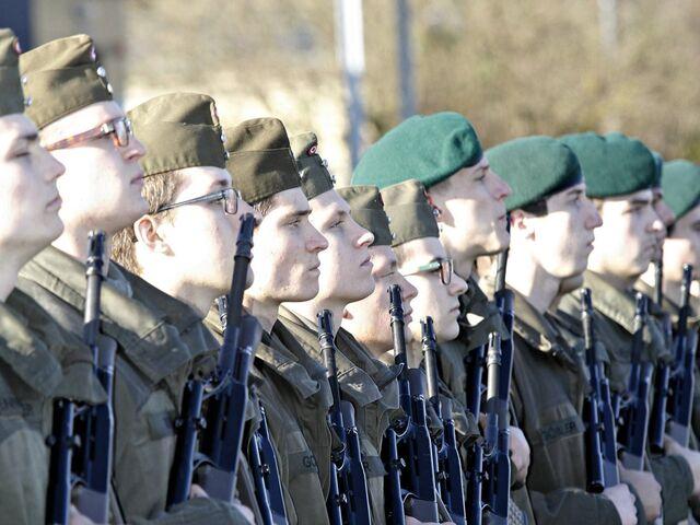 Junge Männer Gehen Vermehrt Zum Bundesheer Snat