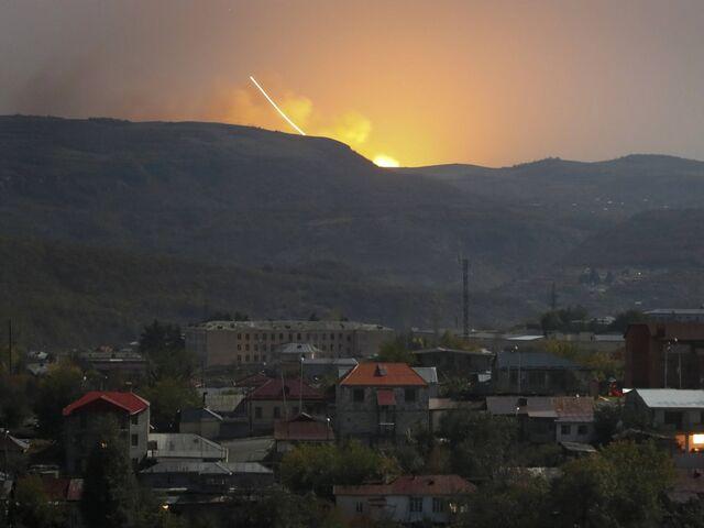 Konflikt Um Bergkarabach Sie Bombardieren Uns Mit Allem Moglichen Sn At