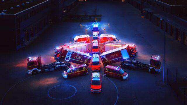 Christbaumkugeln Feuerwehr.Kuriose Weihnachtseinfälle Was Piloten Und Einsatzkräften Im Advent