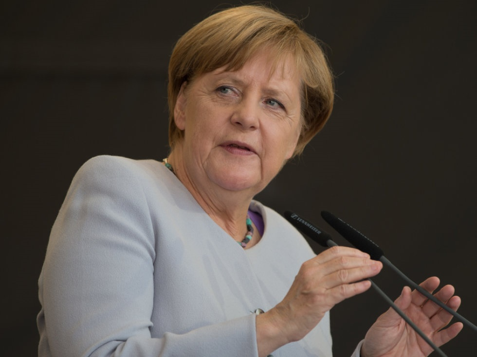 Merkel: Pkw-Maut soll bis 2021 umgesetzt werden