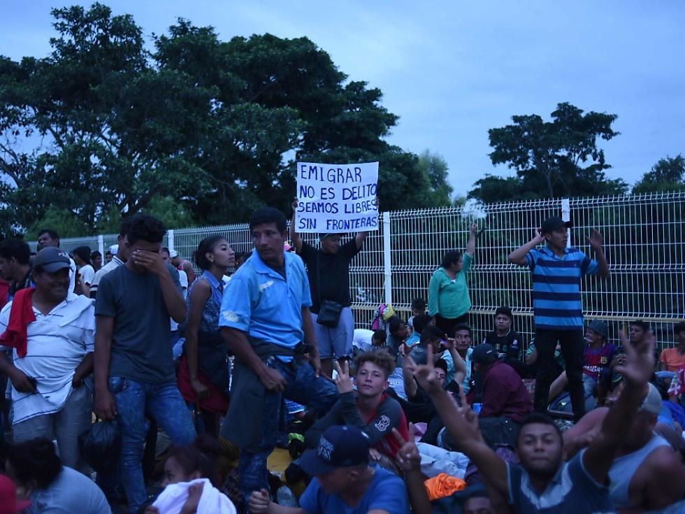 Mexiko bringt nach Chaos an Grenze Flüchtlinge in Zentren