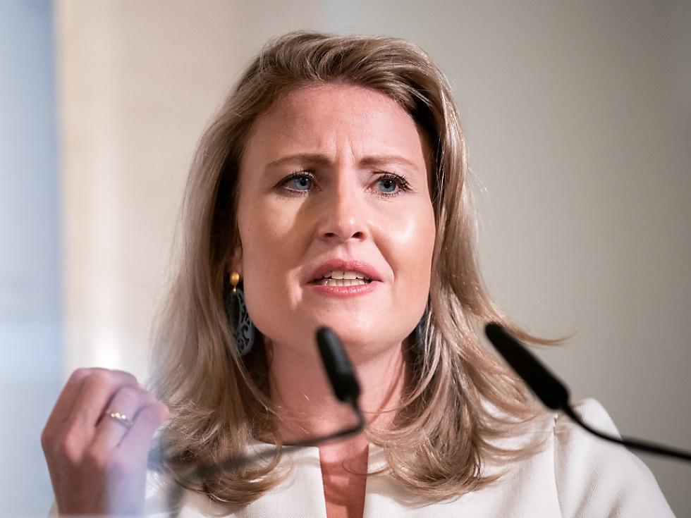 Christine Aschbacher Ministerin Fur Vereinbarkeit Sn At