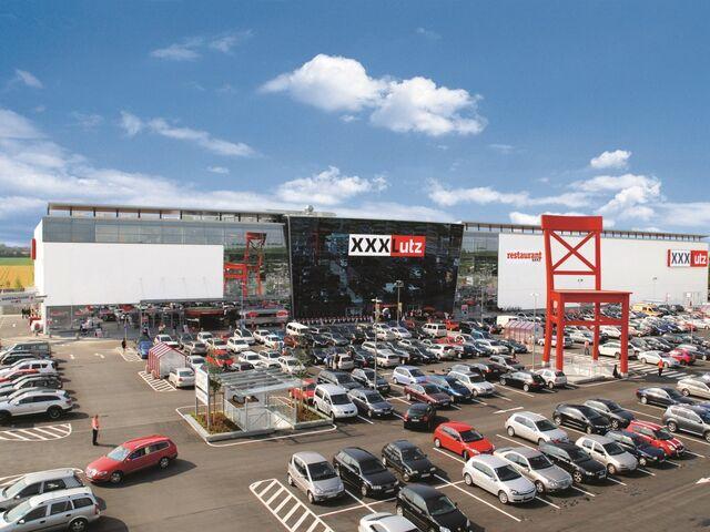 Der österreichische Möbelhändler XXXLutz Wächst In Deutschland Besonders  Stark Und Will Bald In Zehn Ländern Europas