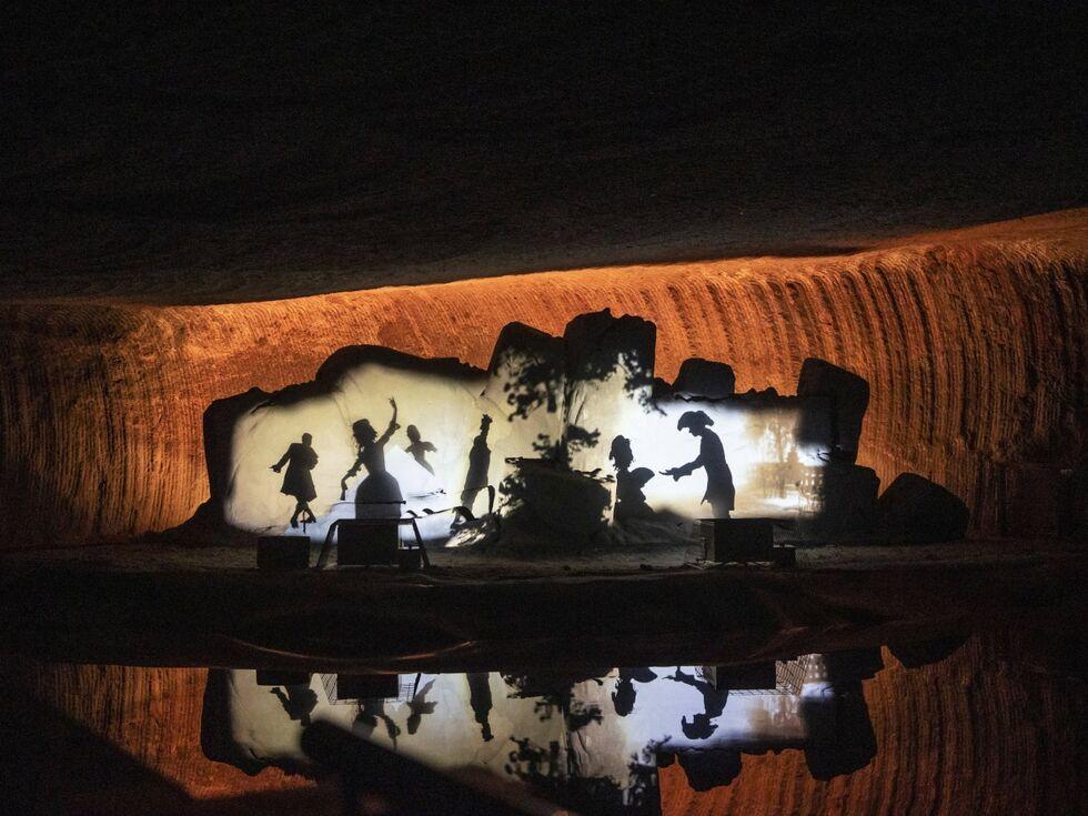 Neue Wege in die Halleiner Salzwelten: Was die Farbe orange im Berg verloren hat