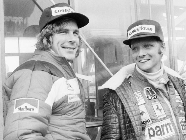 24. Oktober 1976 – James Hunt und Niki Lauda vor dem Start des GP von Japan in Gotemba.