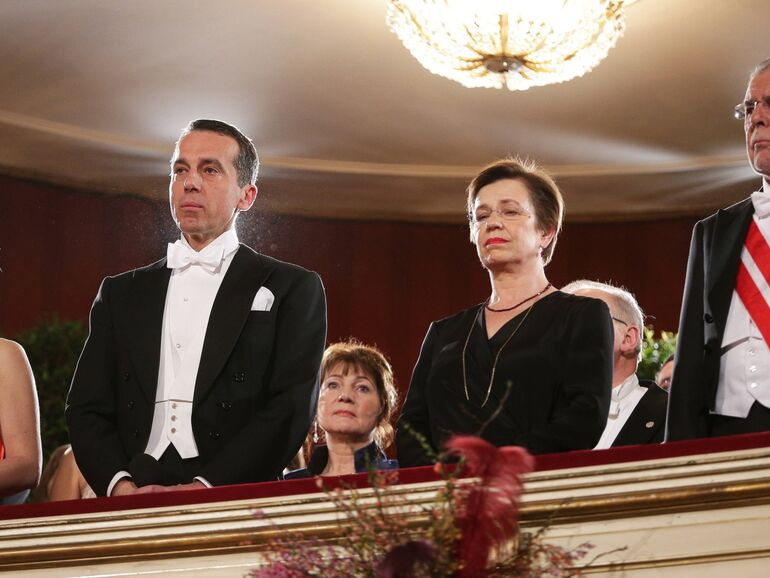 Opernball Vom Tod Sabine Oberhausers Uberschattet Sn At