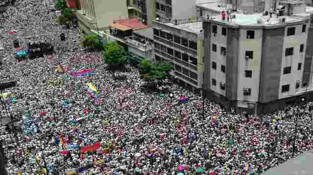 Opposition und Chavisten demonstrieren in Venezuela