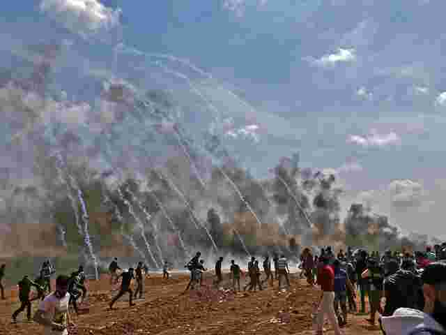 Mehr als 400 Palästinenser bei Protesten an israelischer Grenze verletzt