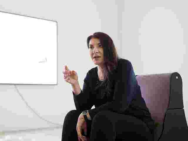 Performance-Künstlerin Marina Abramovic in Florenz attackiert