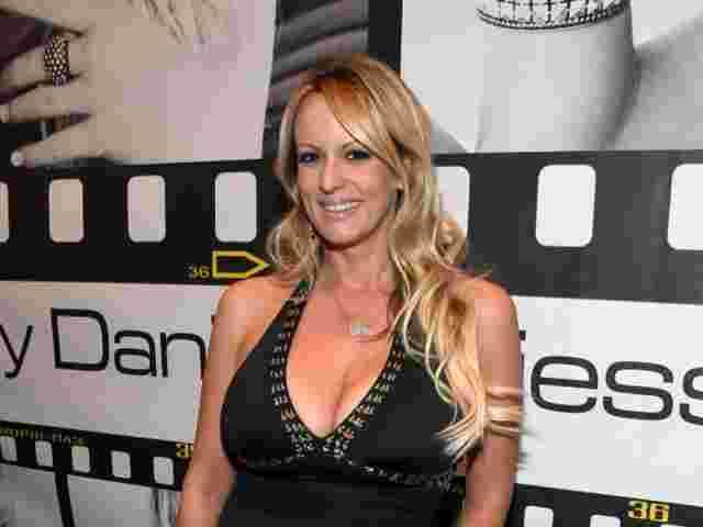 Wegen Geheimhaltungsvertrag Pornodarstellerin Stormy Daniels klagt gegen Trump