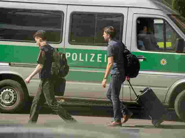 Porsche-Mitarbeiter nach der Razzia in Untersuchungshaft