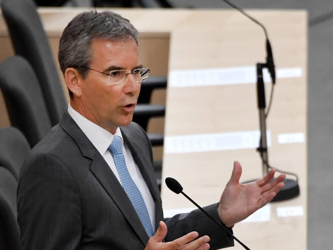 Budgetdebatte: Löger wehrt sich gegen Kritik der Opposition