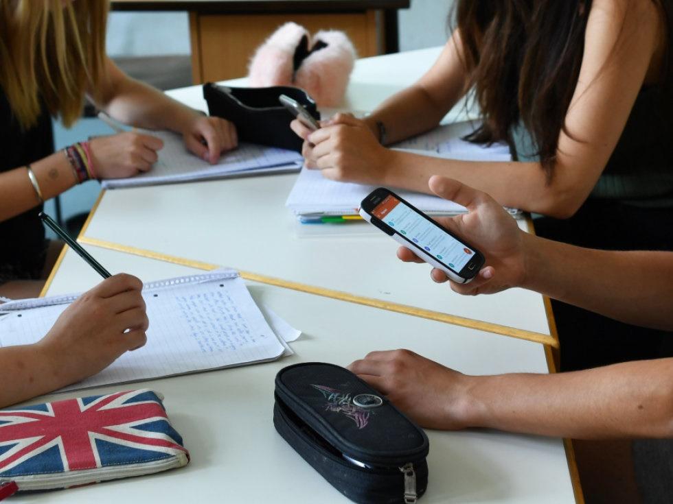 Schülersprecher gegen Handyverbot an Österreichs Schulen