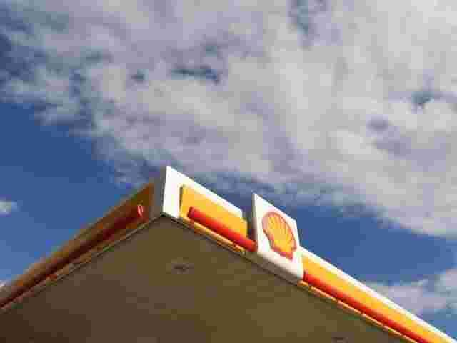 Shell beteiligt sich an Ladenetz für E-Autos