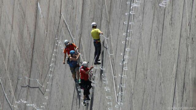 Klettersteig Zillertal : Spektakulärer klettersteig bei stausee im zillertal eröffnet sn at