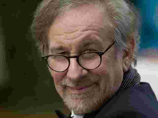 Hammer-Deal: Steven Spielberg produziert eine SciFi-Serie für Apple