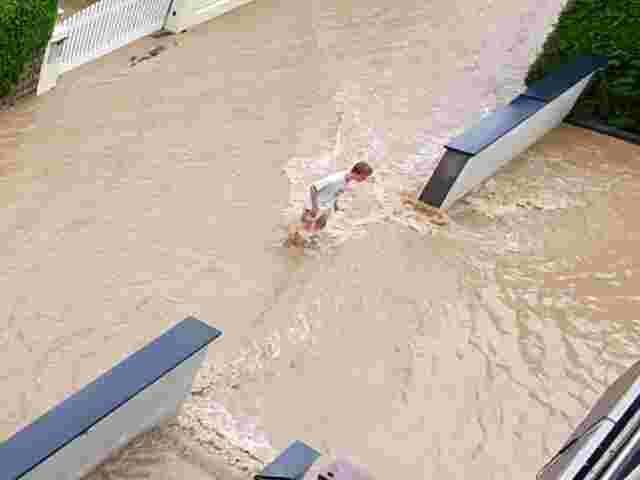 Die Reitbergsiedlung in Eugendorf wurde überflutet.