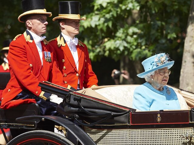 Trooping The Colour Zum 92 Geburtstag Von Queen Elizabeth Sn At