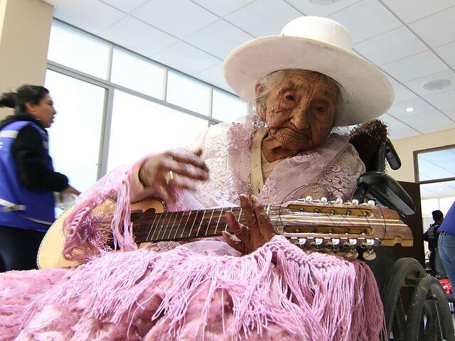Vermutlich Alteste Frau Der Welt Feierte 118 Geburtstag Sn At