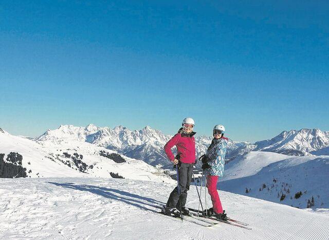 Kurios: Dnen ben Skifahren auf Mllberg und wedeln