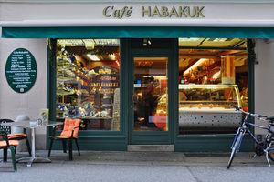 Inhaber Der Cafe Bar Lounge Mokka