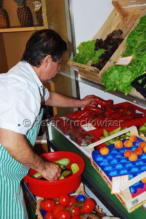Griechischer markt in neumarkt am wallersee salzburgwiki for Koch neumarkt