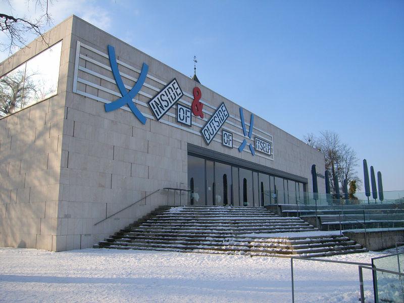 Datei:Museum der Moderne am Mönchsberg.jpg