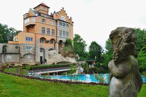 Hotel Mit Infinity Pool In Osterreich