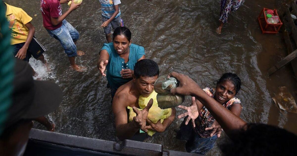 Zahl der unwettertoten in sri lanka auf ber 80 gestiegen for Indische schirme